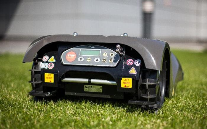 Робот-газонокосилка Stiga Autoclip 525-5