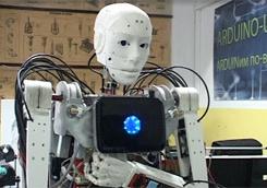 Робот-официант Йоша-2