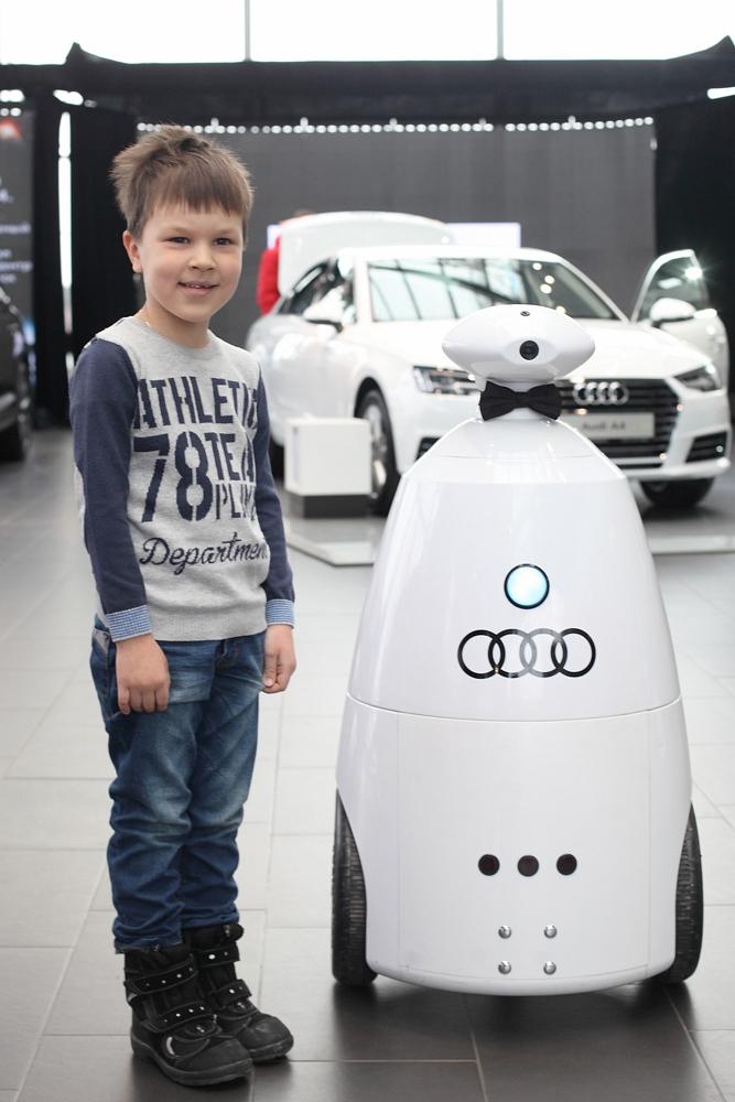 Робот для праздников и выставок (Rbot)-28