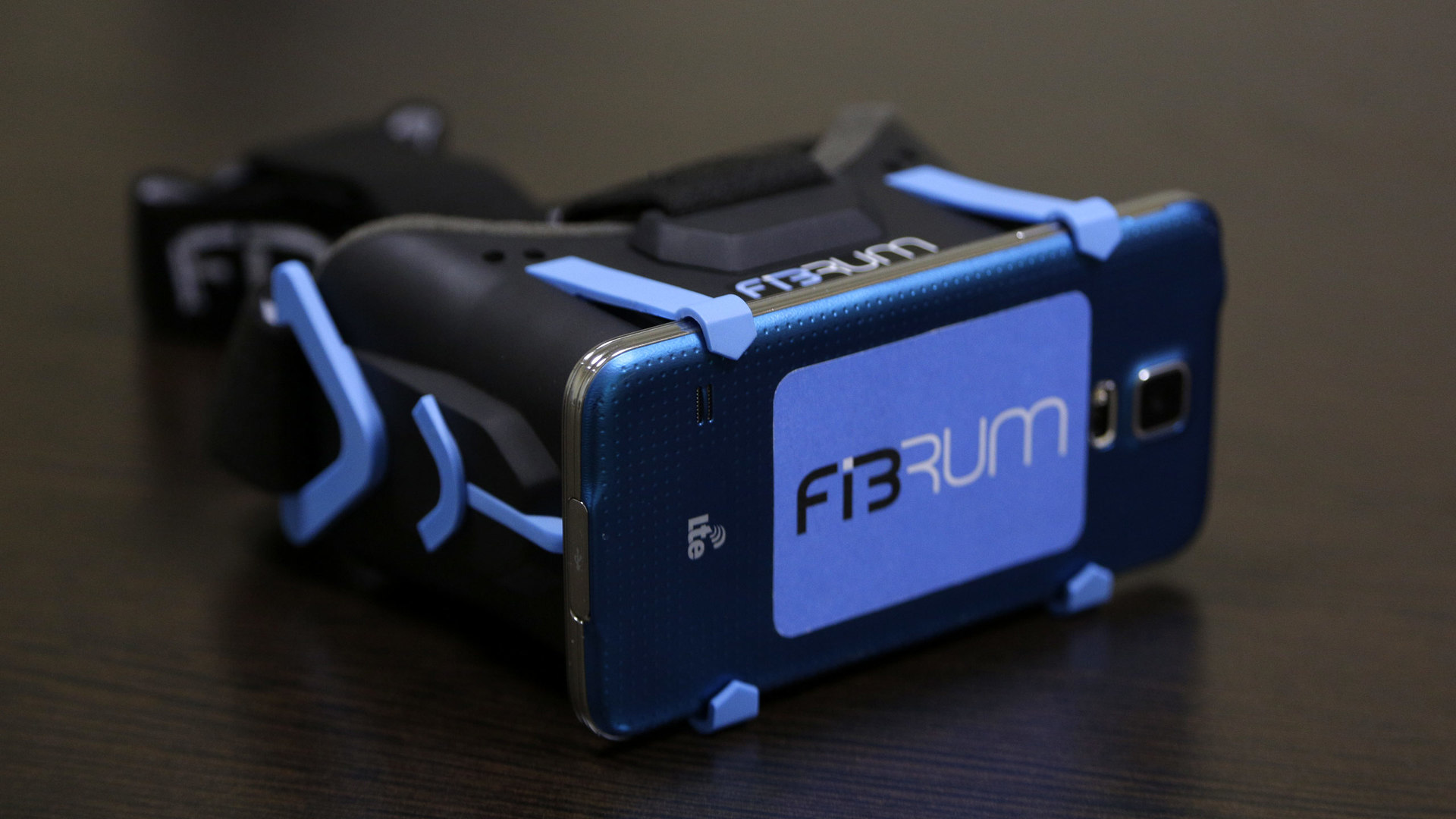 Шлем виртуальной реальности Fibrum-5