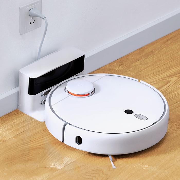 Робот-пылесос Mi Robot Vacuum Cleaner-1
