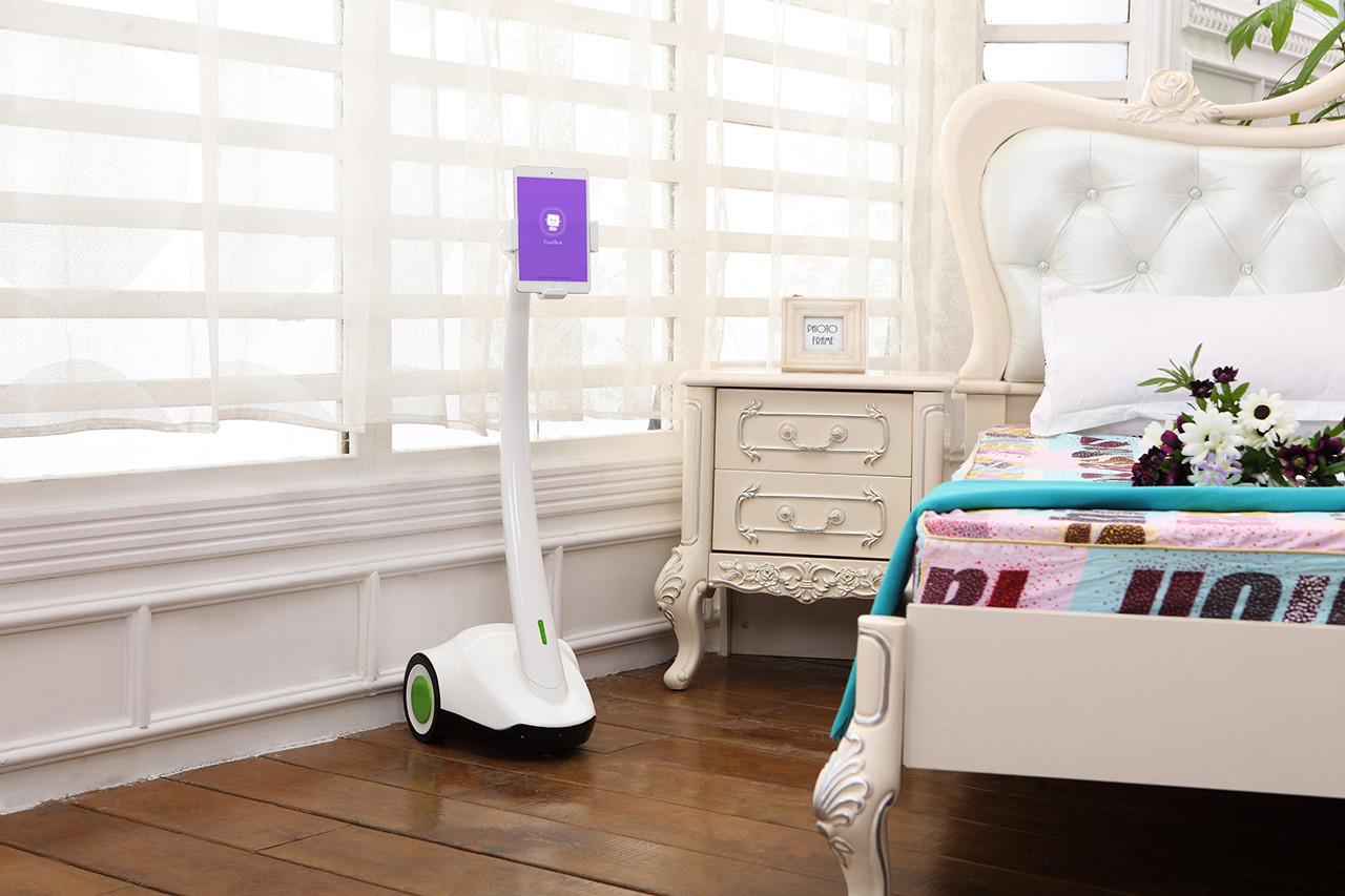 Робот телеприсутствия PadBot-1