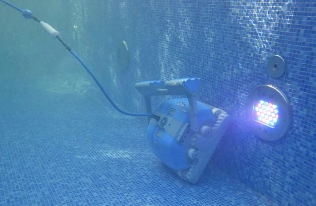Робот для бассейна Dolphin M400-7