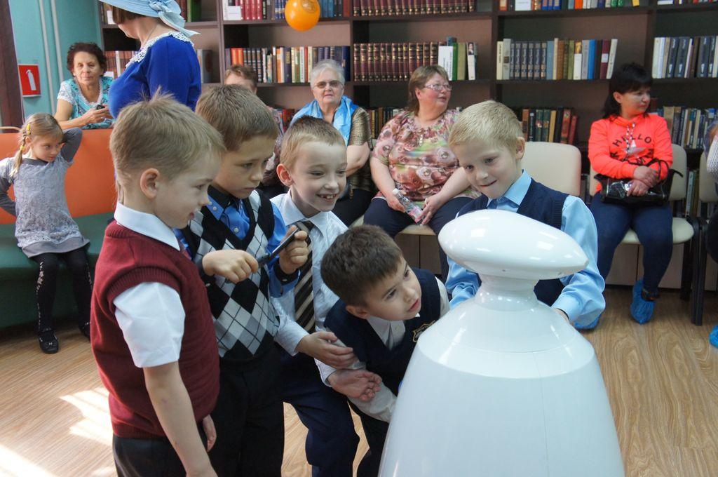 Робот для праздников и выставок (Rbot)-11