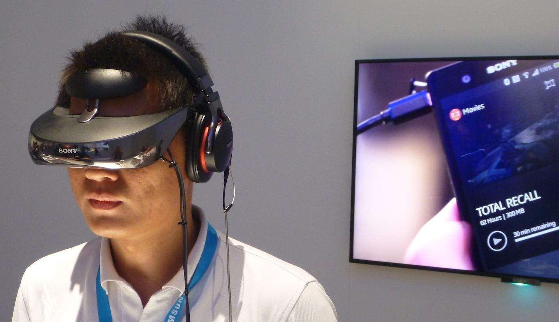 Очки виртуальной реальности Sony HMZ-T3W-2