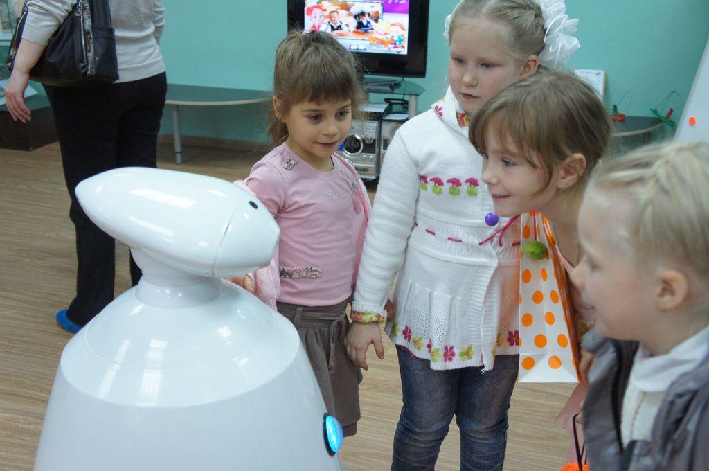 Робот для праздников и выставок (Rbot)-3