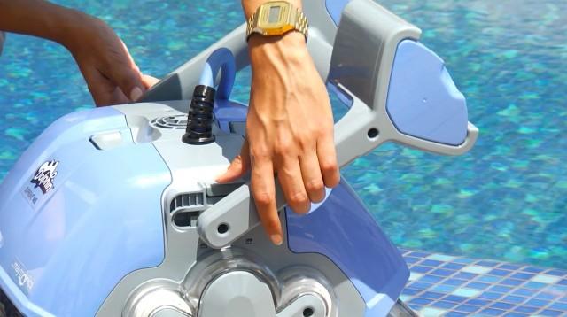 Робот для бассейна Dolphin M400-1