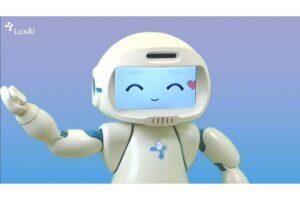 Робот-терапевт QTrobot для детей-аутистов